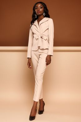 943d1fc7956fcc Бежевий брючний костюм Еллері - купити недорого — Donna Bella - J ...