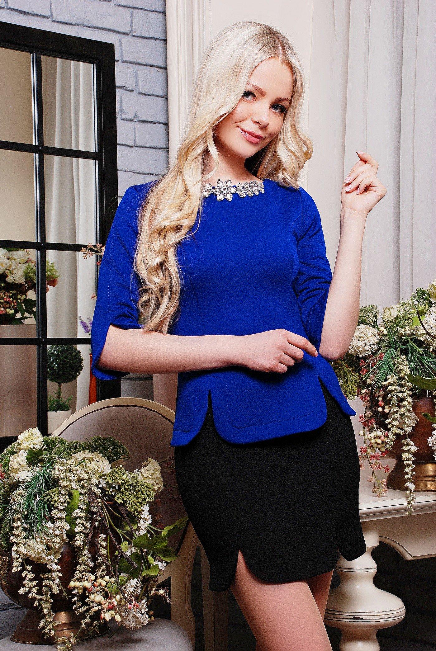 5863105554ccb4 Стильний жіночий костюм Кольє електрик - купити недорого — Donna ...